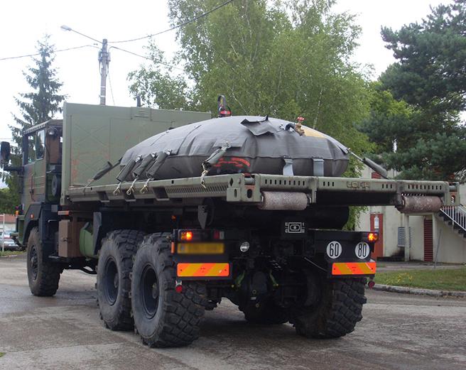 Dynamic flexible transport tanks